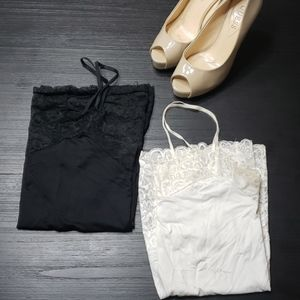 Sexy 🏵 White House Black Market Lace Camis, Small